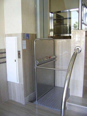 Elevador plataforma HDP1 SALVAESCALERAS MALAGA