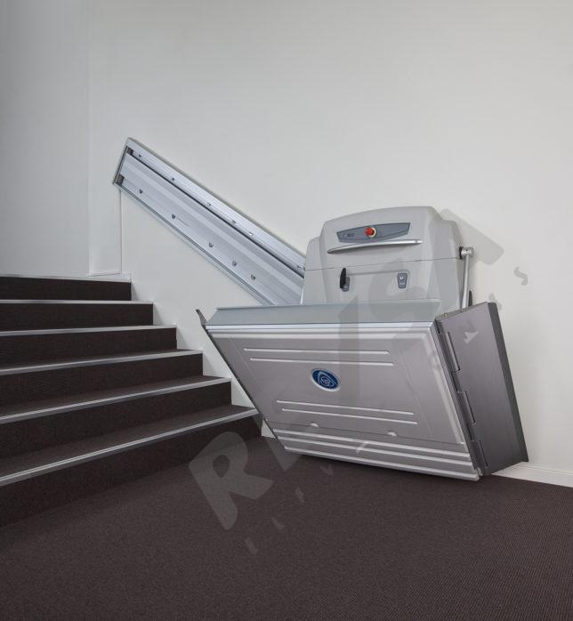 Plataforma salvaescaleras Malaga ✅